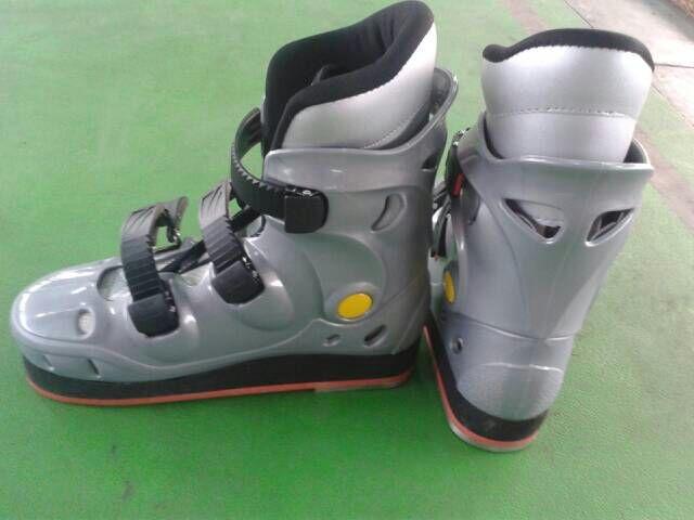 Tug-of-War boots 016